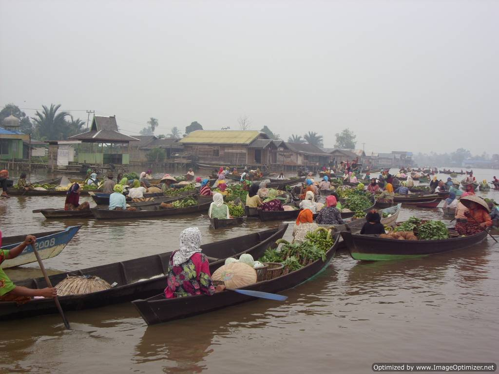 borneo, kalimantan, banjarmasin, culture, floating market, diamond, martapura, cempaka, tour, trip